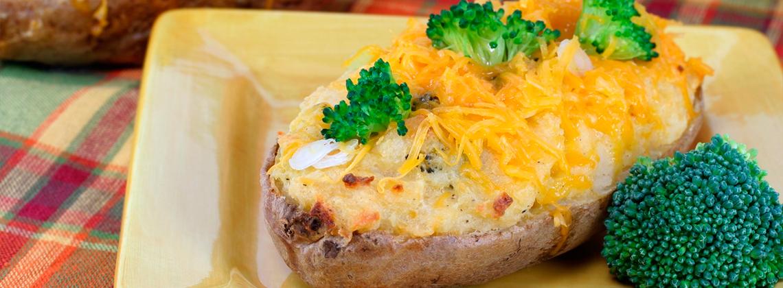 Картофель, фаршированный сыром