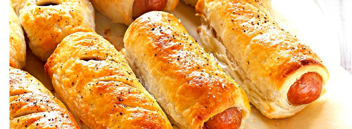 Сосиска в тесте с сыром «чеддер»