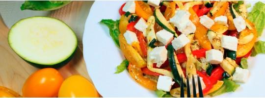 Теплый салат с брынзой