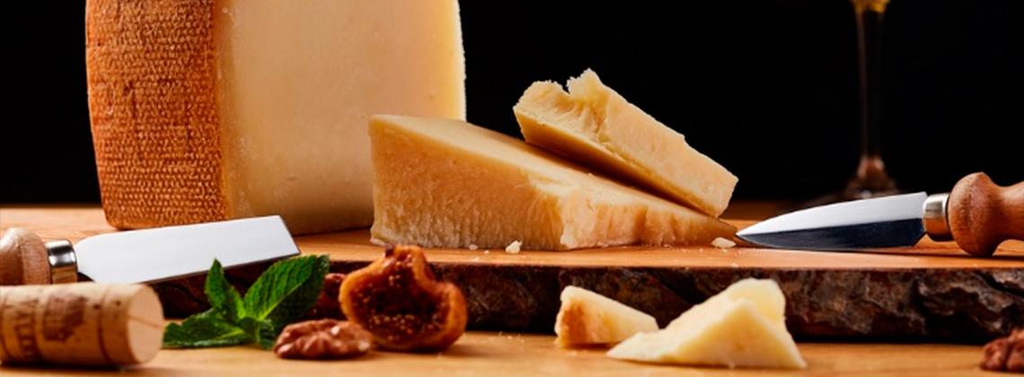Пармезан: 10 интересных фактов о короле сыров
