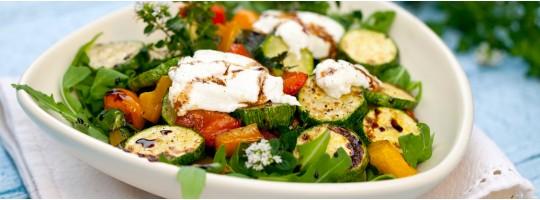 Теплый салат-гриль с брынзой