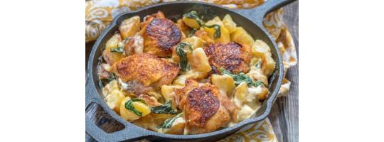 Картофель с курицей под соусом из брынзы